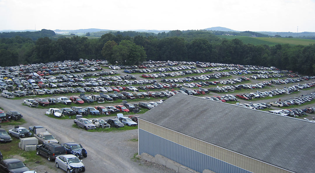 Huge Salvage Yard – Over 1700 Vehicles!